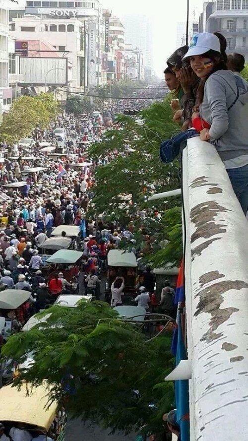 การเมืองไทยและเขมรช่วงนี้ทำไมเหมือนกันจัง
