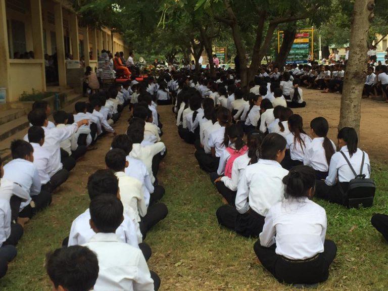 วันนี้วันเปิดภาคเรียนวันแรกของทั้งไทยและกัมพูชา