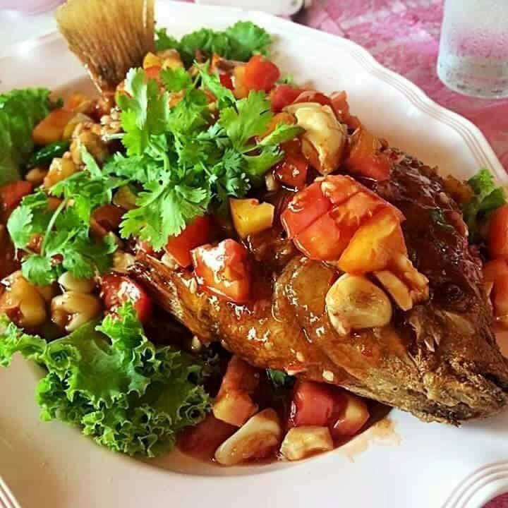 ត្រីចៀនឆាបន្លែជូរអែម ปลาทอดผัดเปรี้ยวหวาน